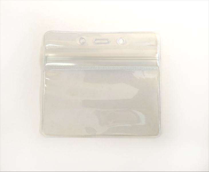 Horizontal Vinyl Badge Holder With Clear Zip Closure